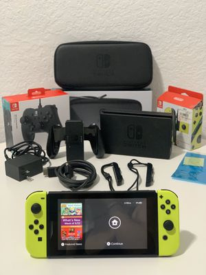 Nintendo Switch +Controller + Carrying Case & Screen Protector for Sale in North Miami, FL