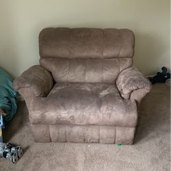 Cuddled Recliner for Sale in McDonough,  GA