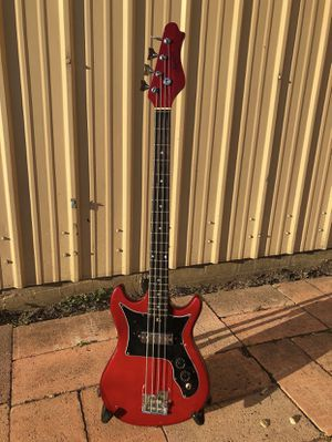 Funky Vintage Harmony H-805 Bass Guitar with OHSC for Sale in Ferris, TX