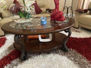 Juego de 3 mesas con lámpara incluida for Sale in Miami, FL