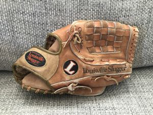 Louisville Slugger Baseball Glove for Sale in Fresno, CA