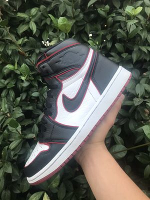 Air Jordan 1 Retro High OG 'Bloodline' for Sale in Commerce, CA