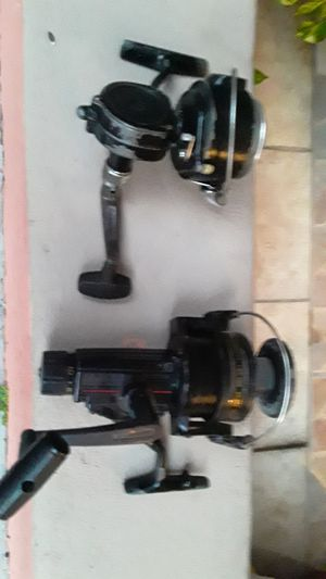 Used old reels .work good for Sale in Miami, FL