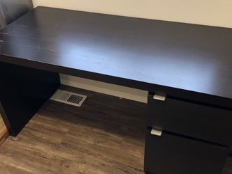 Black Desk for Sale in Marysville,  WA