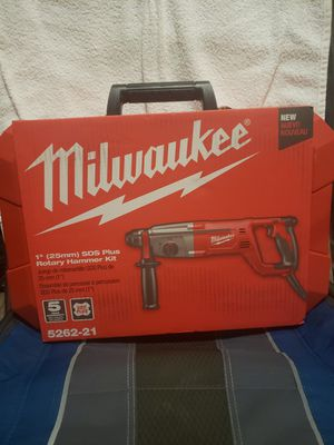 Milwaukee 8 Amp Corded 1 in. SDS D-Handle Rotary Hammer for Sale in Riverside, CA