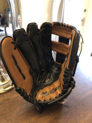 """Mac Gregor 10.5"""" Kids baseball glove for Sale in Pasadena, CA"""