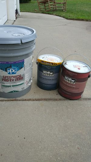 Free paint for Sale in Fuquay-Varina, NC