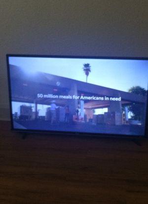 40 inch tcl roku smart tv for Sale in Watsonville, CA