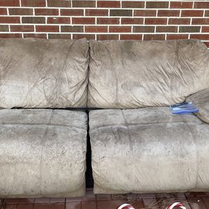 Free Couch for Sale in Columbia, SC
