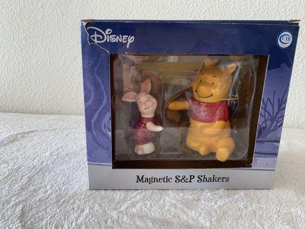 Disney Pooh and piglet magnetic salt & pepper shakers