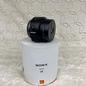 Sony ILCE-QX1 Smartphone Attachable Mirrorless Digital Camera & Lens for Sale in Washington, DC