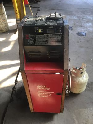 Snap-on Act 3000 refrigerant recovery center R12 for Sale in Chicago, IL