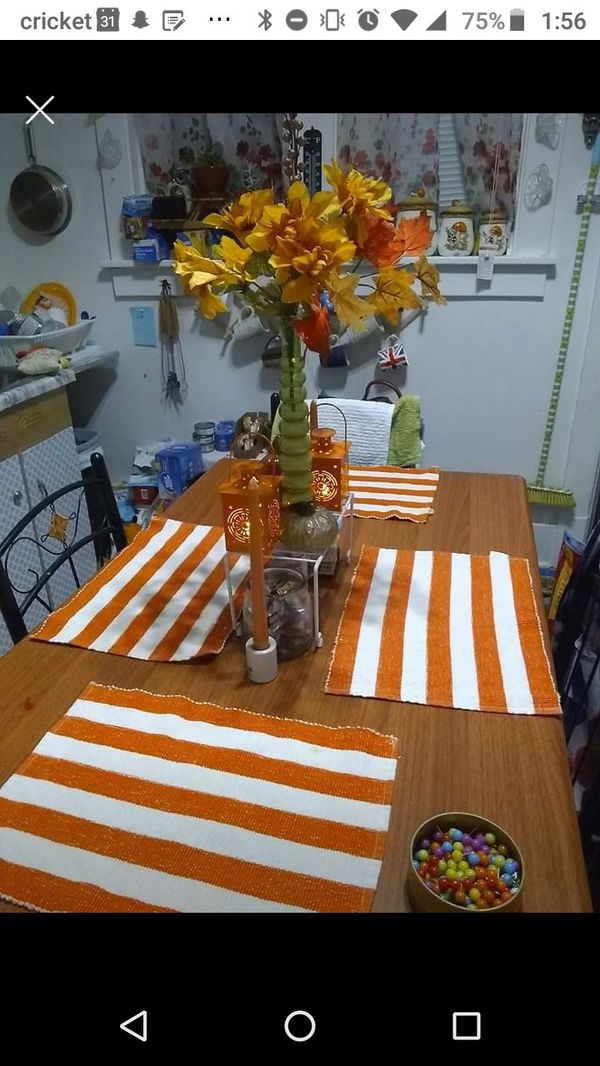 Oblong Kitchen Table w/ 2 chairs