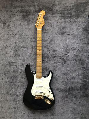 Guitar Fender Stratocaster Gold trim for Sale in Dallas, TX