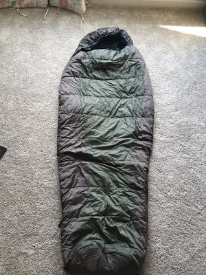 Sleeping bag, Alps Mountaineering desert pine +20 degrees for Sale in Spring Hill, TN