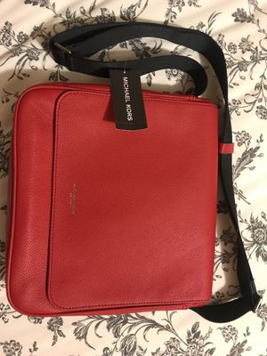Michael Kors Messenger Bag for Sale in Winthrop, MA