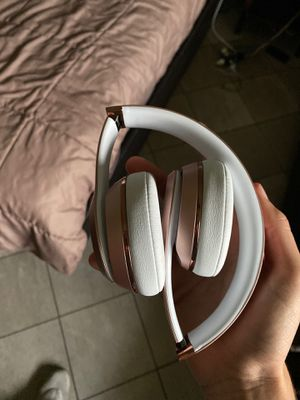 Beats Solo 3 by Dr. Dre Bluetooth Headphones for Sale in Pompano Beach, FL