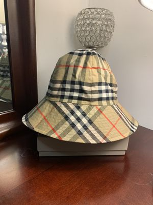 Authentic Burberry Vintage Bucket Hat Reversible for Sale in Queens, NY