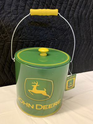John Deere Ice Bucket Tin Can With Handle And Tag for Sale in Lauderdale Lakes, FL