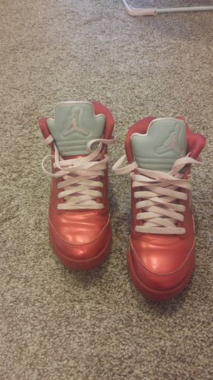 Valentine's Retro Jordans size 5.5 for Sale in North Las Vegas, NV