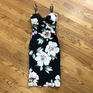 Women's dress form fitting with v neckline size small for Sale in Germantown, MD