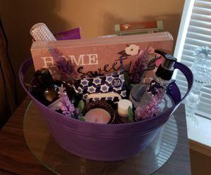 Beautiful gift basket for Sale in Everett, WA
