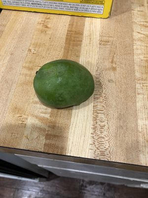Green mini mangoes 🥭 for Sale in Garden Grove, CA