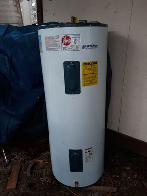 80 gal. 240/208 Volts Water Heater for Sale in Whiteriver, AZ