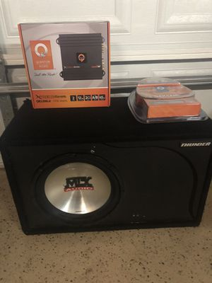 Mtx thunder 4500 sub in box w/ car amp & wires for Sale in Chicago, IL