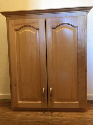 "Above toilet wall cabinet 30"" x 26"" x 7.5"" 3 adjustable shelves for Sale in San Dimas, CA"