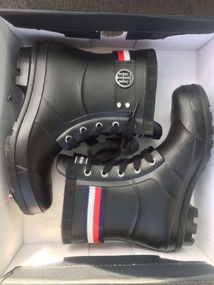Black Tommy Hilfigire rain boots for Sale in E FAYETTEVLLE, NC