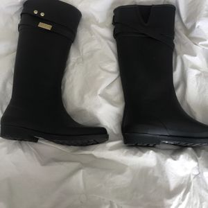 Tommy Hilfiger Rain Boots for Sale in Las Vegas, NV
