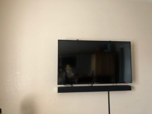 Element 40 inch Tv 1080p for Sale in Henderson, NV