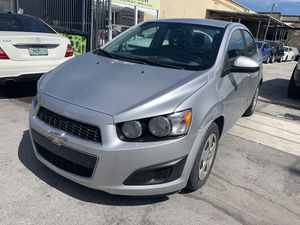 Chevy sonic 2014 for Sale in Miami, FL