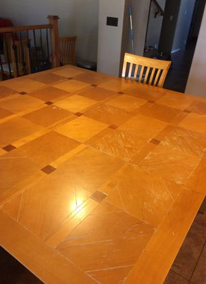 Kitchen table with leaf attached -6 chairs for Sale in Goodyear, AZ