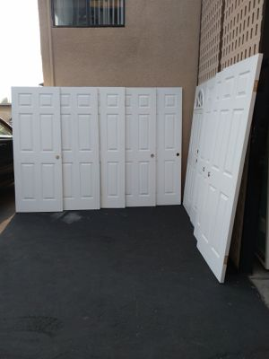 6 panels white interiors doors in very good condition for Sale in El Cajon, CA