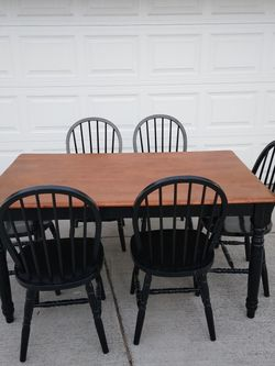 Wood Dining Table Only Good Condition for Sale in La Grange Park,  IL