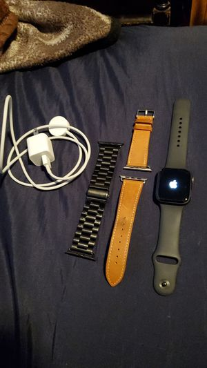 Apple watch 4 series 42mm for Sale in Fresno, CA