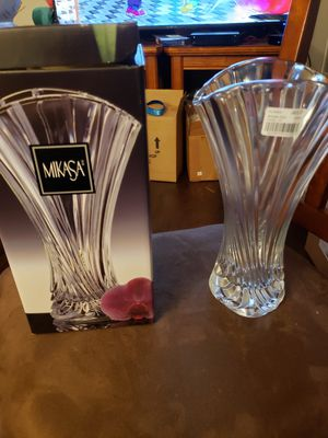 "Gorgeous vintage mikasa 10"" floral vase for Sale in Stow, OH"