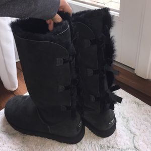 Black bailey bow uggs for Sale in Silver Spring, MD