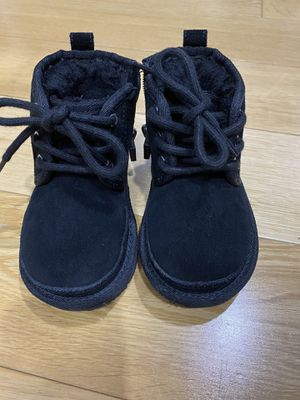 UGG boots with zipper for Sale in Queens, NY