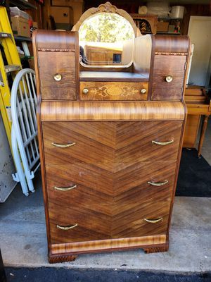 Antique Chest of Drawers for Sale in Benton, KY