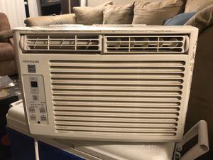 Frigidaire window AC unit 5000 BTU's for Sale in San Diego, CA