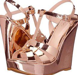 ALDO Rose Gold Nellyy Platform Wedges Sandals Heels 6.5 for Sale in Fillmore,  CA