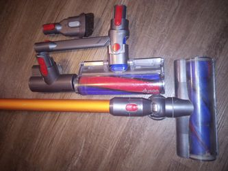 Dyson V8 Absolute vacuum for Sale in Bentley,  LA