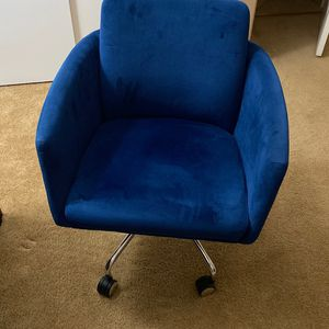 Beautiful Blue Velvet Office Chair for Sale in Corona, CA