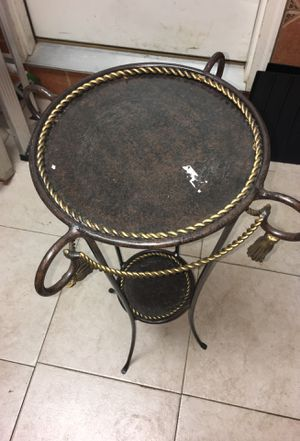 Home decoration/mini table for Sale in Germantown, MD