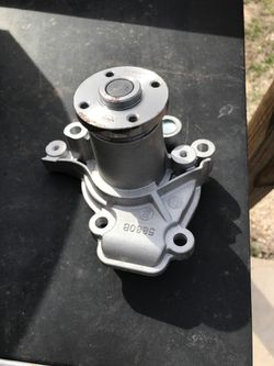 Water pump for an 07 Hyundai ELANTRA for Sale in Whitney,  TX