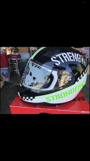 Speed and strength ss700. Motorcycle helmet never used. Tag still on it. for Sale in Commerce, CA