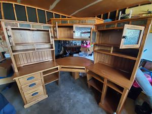Desk and hutch for Sale in Denver, CO